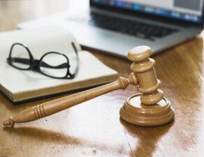 Cómo subastar un bien voluntariamente a través de un notario | Legal Claims Abogados
